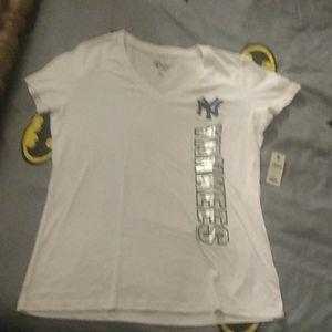NY Yankees V-Neck T-Shirt